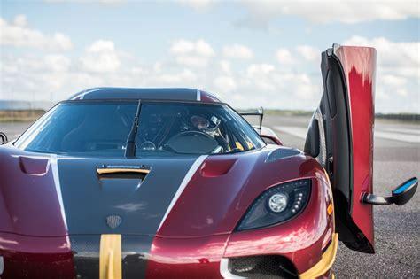 koenigsegg agera rs koenigsegg agera rs beats bugatti chiron in 0 249 0 mph