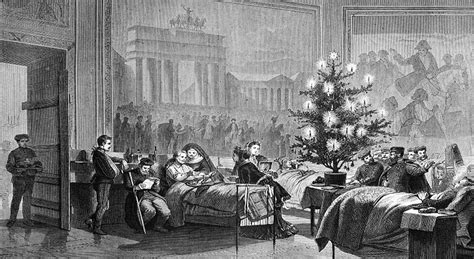the first christmas tree history today