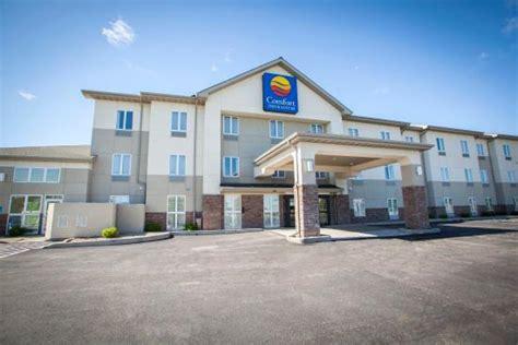 restaurants near comfort inn comfort inn suites harrisonville mo hotel reviews