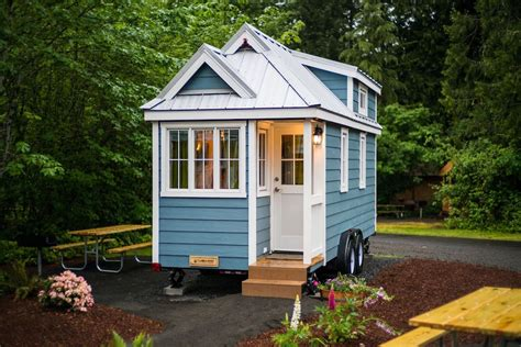 tiny homs zoe tiny house swoon
