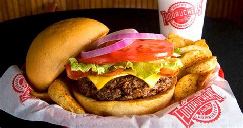 cadena de comida rapida hamburguesas la cadena de restaurantes fuddruckers llega a colombia