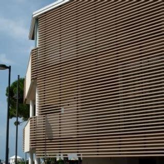 normal  revestimiento de madera #1: Revestimiento-de-fachadas-y-celosias-madera-Woodn24-430x287-320x320_c.jpg