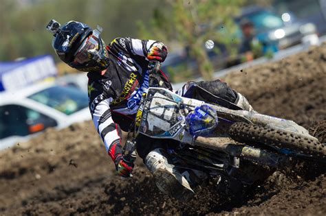 motocross racing 2 the gallery for gt dirt bike crashes