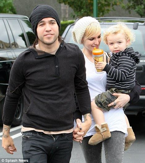 No Sweet Between Pete Wentz And Ashlee by Ashlee Files For Divorce From Pete Wentz Citing