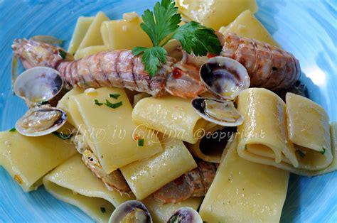 cucinare cicale di mare paccheri con cicale di mare e vongole arte in cucina