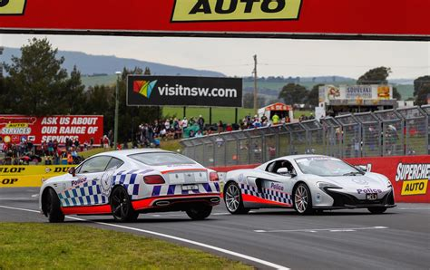bentley bathurst mclaren 650s bentley police cars debut at bathurst 1000