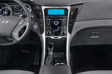 Hyundai Sonata Interior Dimensions by 2014 Hyundai Sonata Instrument Panel Interior Photo