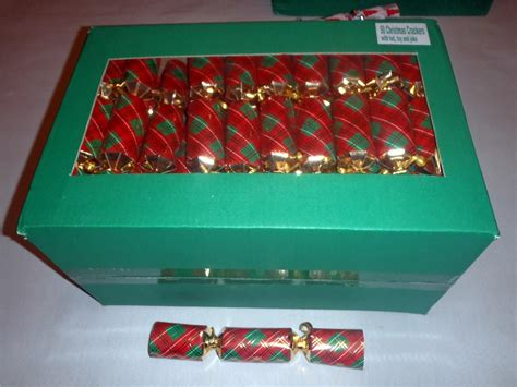 bulk buy wholesale 50 caterers christmas party crackers