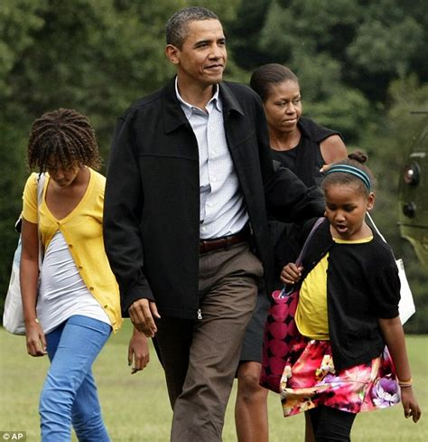 barack obama gets a sneaky visit from daughter sasha in barack obama gets a sneaky visit from daughter sasha in