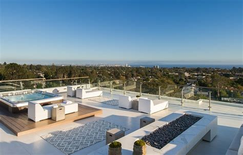 rooftop deck design beach adjacent home with space for luxury entertaining