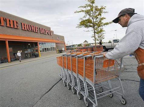 home depot shopping four reasons shoppers will shrug off home depot hack