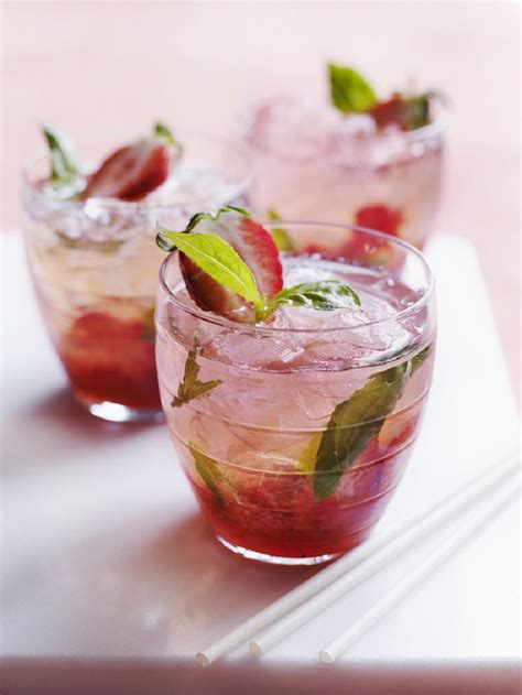 top 10 bar drinks top 10 fantastic fresh fruit alcoholic cocktails