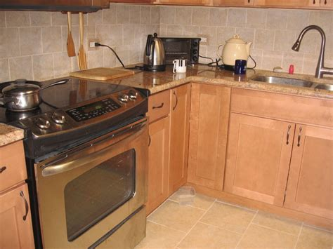 Backsplash Tile Ideas Small Kitchens maple kitchen cabinets shaker cabinets cliqstudios