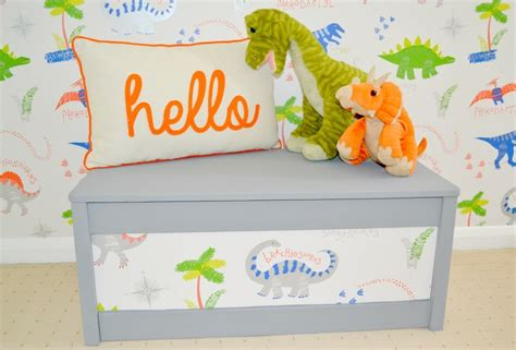 easy diy projects upcycling  toy box girl  townhouse