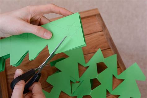 how to make christmas crafts out of paper homeminecraft