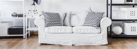 couchgarnitur landhausstil wohnzimmer mit sofa im landhausstil hell und so gem 252 tlich
