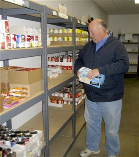 Call Food Pantry by Local Food Pantry Cuts Ties With Government Food Bank
