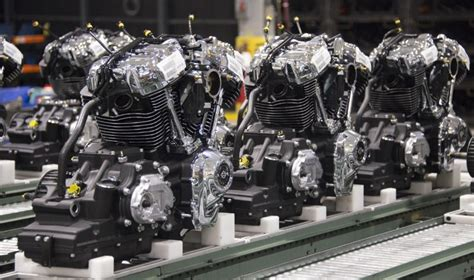 Harley Davidson Factory Tour Milwaukee by Harley Unveils New Engine For 2017 Models Biztimes Media