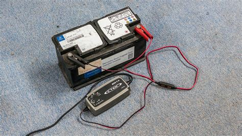 Motorradbatterie Im Auto by Die Autobatterie Ist Leer Aber Warum