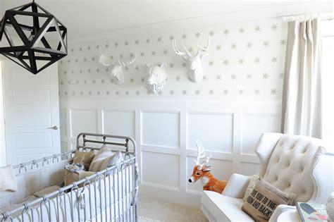 nursery wallpaper grey and white нынче в моде настенный декор в детской