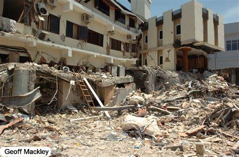 earthquake jakarta geoff mackley sumatra earthquake 2009