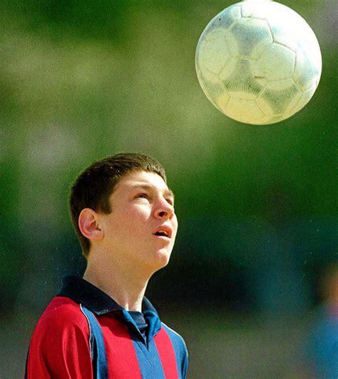 imagenes de niños jugando fut bol ni 241 os futbolistas la culpa es de messi f 250 tbol el mundo