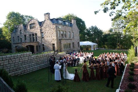 File:The Mansion Outdoor wedding   Wikimedia Commons