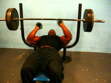 kali muscle bench press bodybuilder and actor kali muscle heavy bench press video