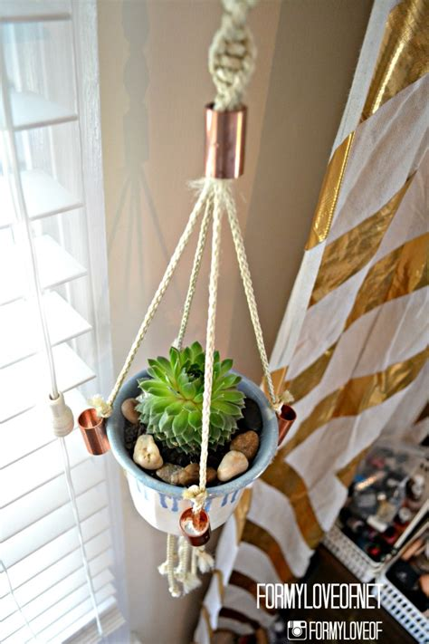 Macrame Hanging Planter Patterns - remodelaholic 25 diy planter tutorials