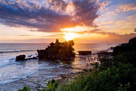 Tanah Lot Bali   Daya Tarik, Harga Tiket Masuk, Waktu