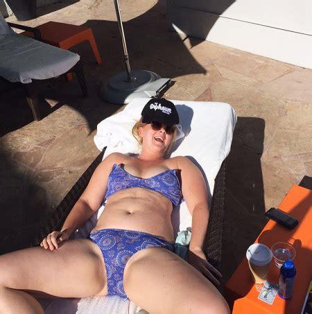 amy schumer mocks beauty standards in bikini photo