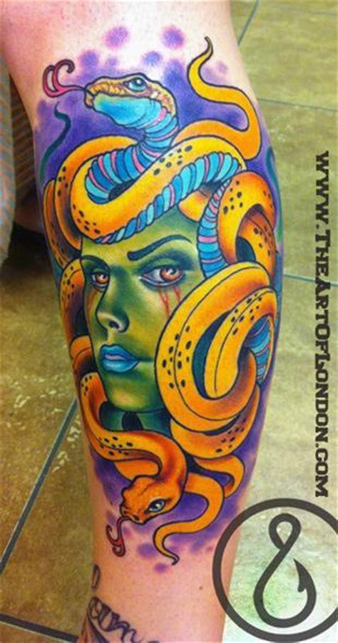 new school medusa tattoo meh doo suh by london reese tattoo inspiration worlds