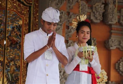 pakaian pengantin adat bali pakaian adat ungkap simbolik dharma ini penjelasannya