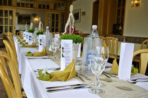 Tischdekoration Zum 80 Geburtstag by Scraphase M 228 Nnlich Edel Schlicht Zum Zweiten