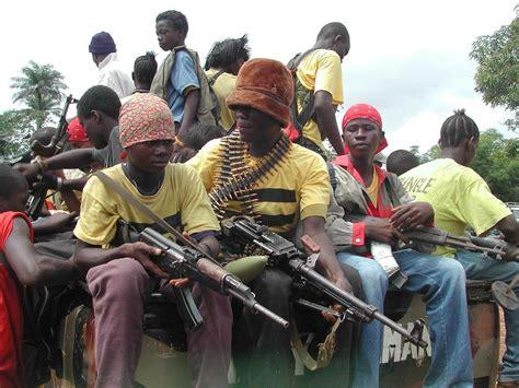 gambar perang herizal alwi gambar mengerikan perang saudara di liberia