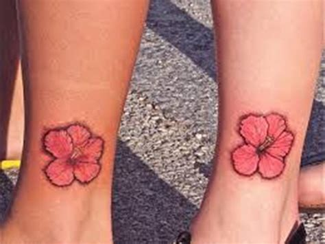 hawaiian flower tattoos on wrist hawaiian flower tattoos on wrist www imgkid the
