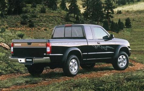 nissan pickup 1998 1999 nissan frontier information and photos zombiedrive