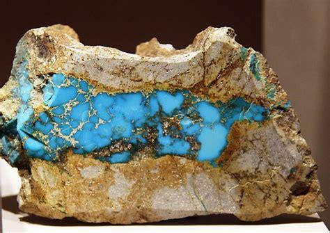 Iranian Turqoise Pirus Iran インディアンの工芸に欠かせないターコイズ原石 インディアン ワールド