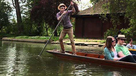 punt a boat the perfect pleasures of oxbridge punting cus oxford
