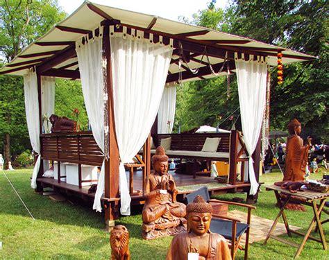 garten regenschutz holzpavillon kaufen exotische pavillons aus holz
