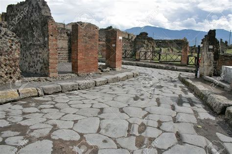 herculaneum or pompeii which is better pompeii and herculaneum lessons from the ruins