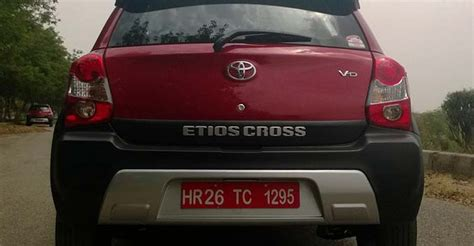 Toyota Etios Ground Clearance Drive Toyota Etios Cross Ndtv Carandbike