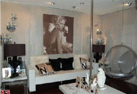 paris hilton house interior rent paris hilton s hollywood crib at a deep discount