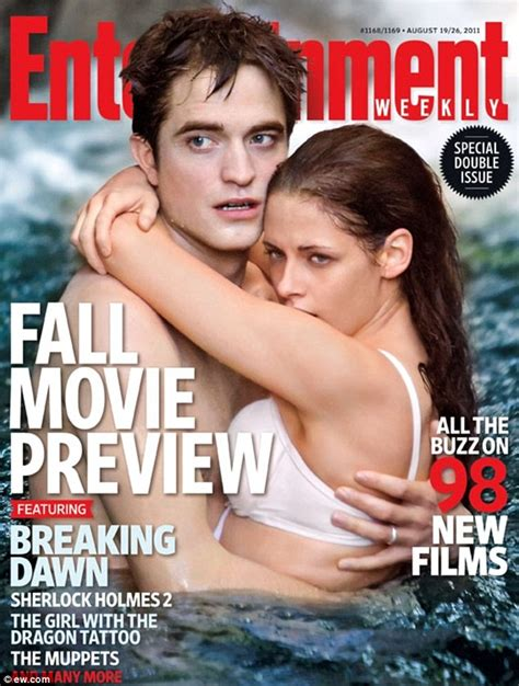 libro entertainment weekly the ultimate robert pattinson on breaking dawn s honeymoon scene with kristen stewart daily mail online