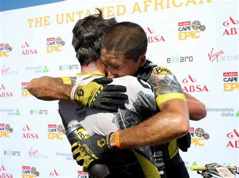 Buff Sepeda Bioracer Team Dimension Data For Qhubeka 2017 cape epic a rainha do mountain bike