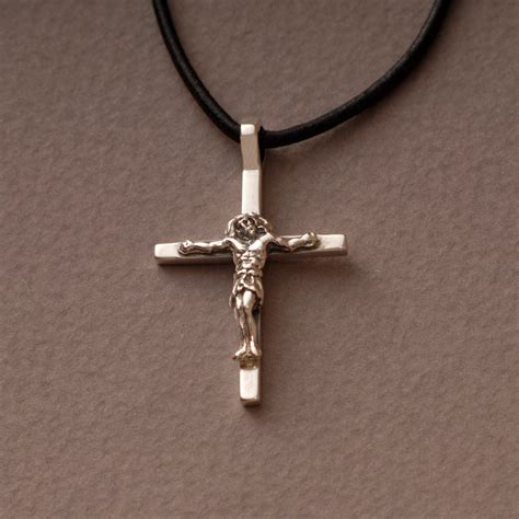 jesus crucifix cross necklace mens womens sterling silver