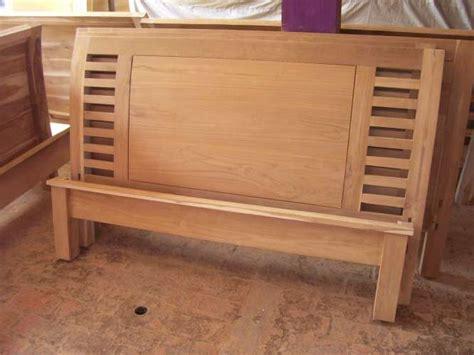Kursi Kayu Polos dipan minimalis kayu jati polos tangga tempat tidur jati