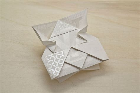 Origami Craft Work - a look at happycentro s design work with paper