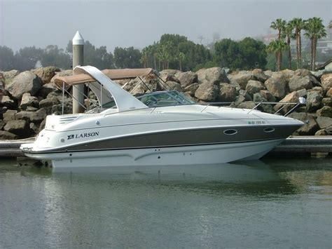larson boats cruisers larson 28 ft cabin cruiser 2006 for sale for 40 000
