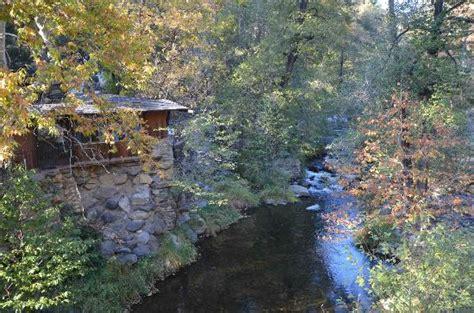 forest houses resort driveway over oak creek picture of forest houses resort sedona tripadvisor